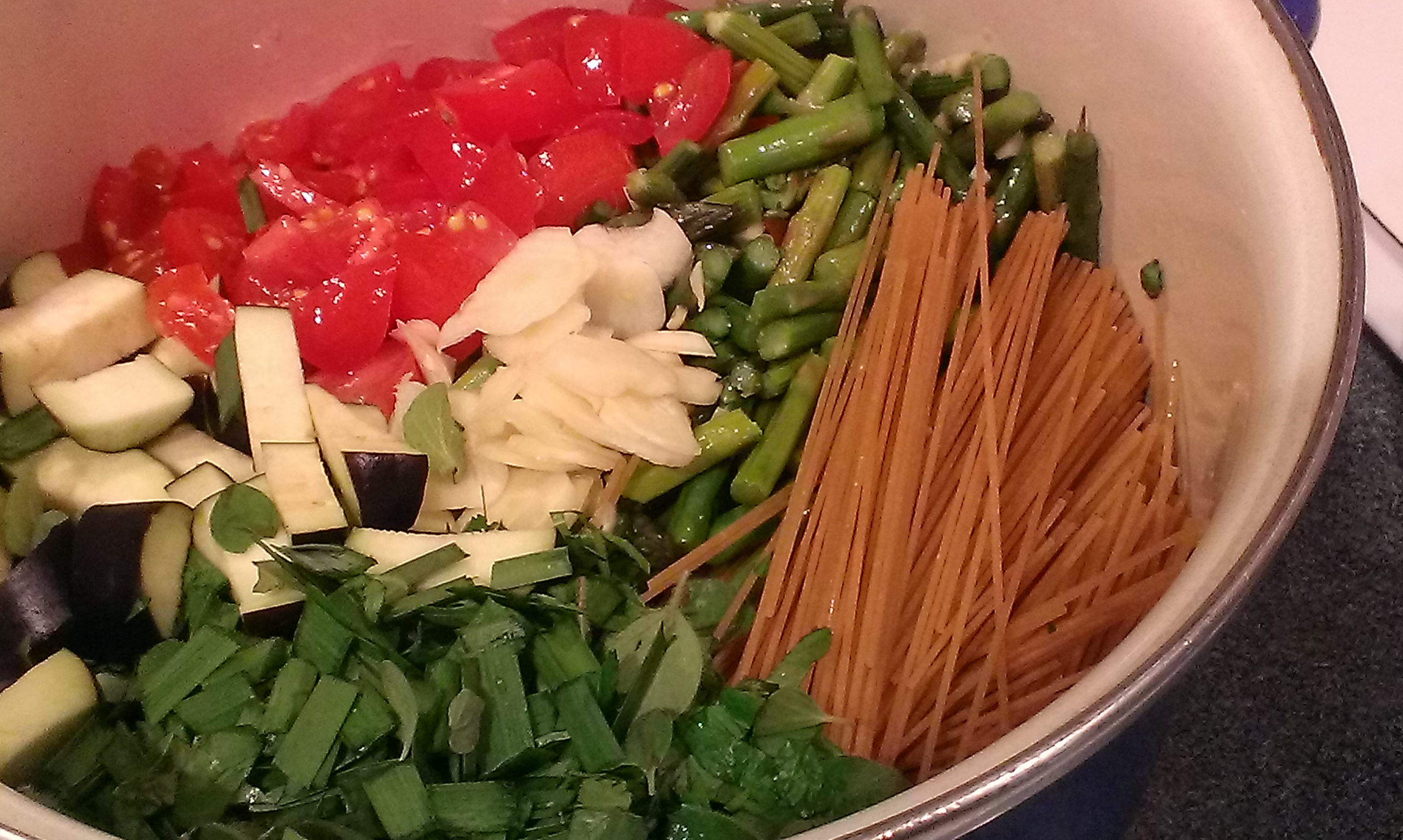 fresh ingredients for one pot spaghetti