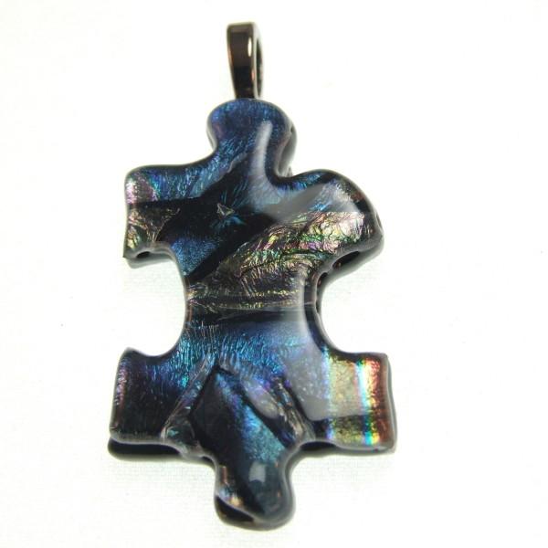 Fused glass puzzle pendant by Lynn Smythe