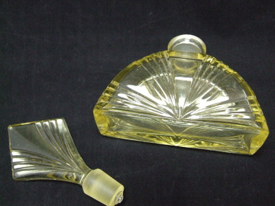 Large-Perfume-Bottle-04