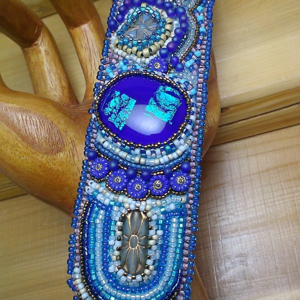 Bead embroidered cuff bracelet by Lynn Smythe.